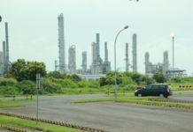 Salah satu perushaan kilang minyak di Tuban. (Musafa)