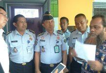 Noim Ba'asyir menyampaikan pesan kepada anggota komisi 3 DPR RI di Lapas Tuban. (Rohman)
