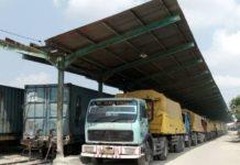 Lokasi stasiun Babat untuk bongkar truk semen. (Atmo)