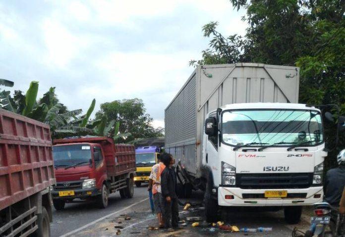 Kondisi truk di lokasi kejadian. (Atmo)