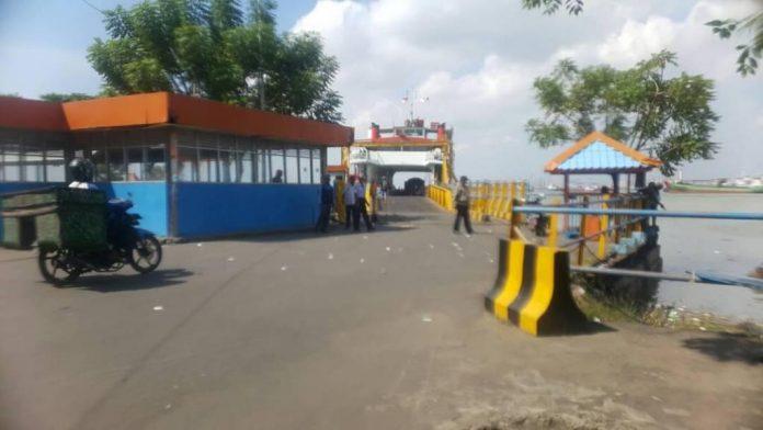 Suasana pelabuhan Kamal Bangkalan. (Shohibul Khoir)