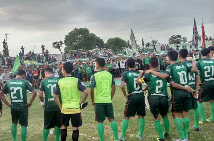 Pemain Persatu Tuban disaat di stadion Tuban. (rohman)