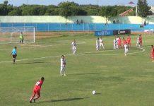 Pertandingan Bumi Wali FC melawan Putra Jombang di Tuban. (Musyafa')