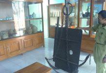 Salah satu koleksi benda di Museum Kambang Putih Tuban.
