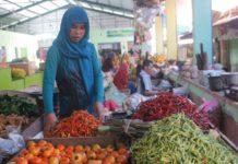 Salah satu pedagang cabai di Tuban. (Musyafa')